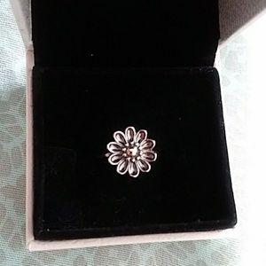Pandora oopsie daisy ring